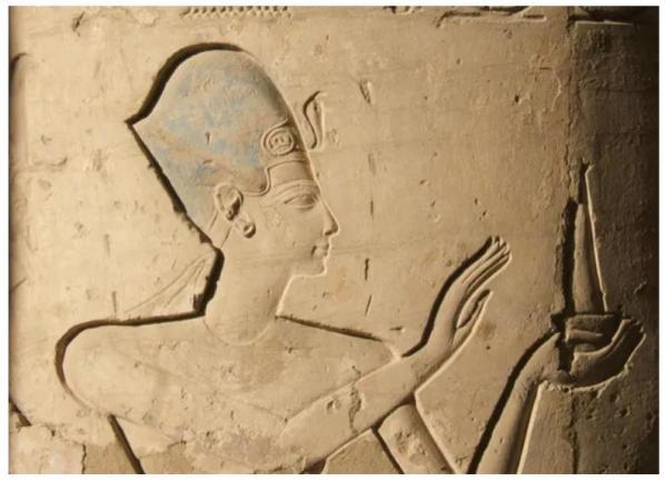 Ramsès II. Vignette d'une colonne de la salle hypostyle du Ramesseum © Radio France