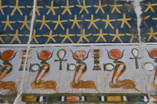 Merveilleuses scènes du temple solaire d'Hatshepsout à Deir el Bahari