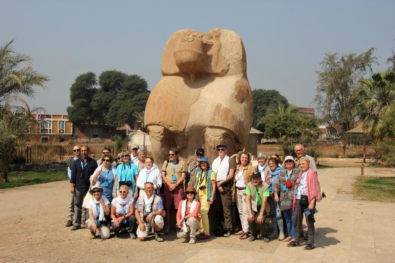 Les participants sur le site d'Ashmounein.