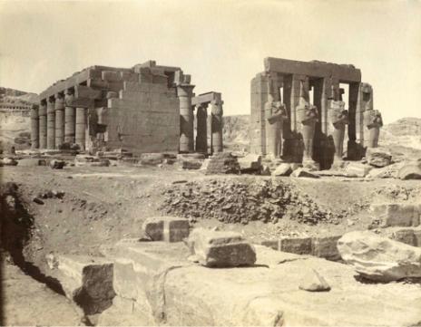 Le Ramesseum. Tirage photographique argentique anonyme (± 1900).